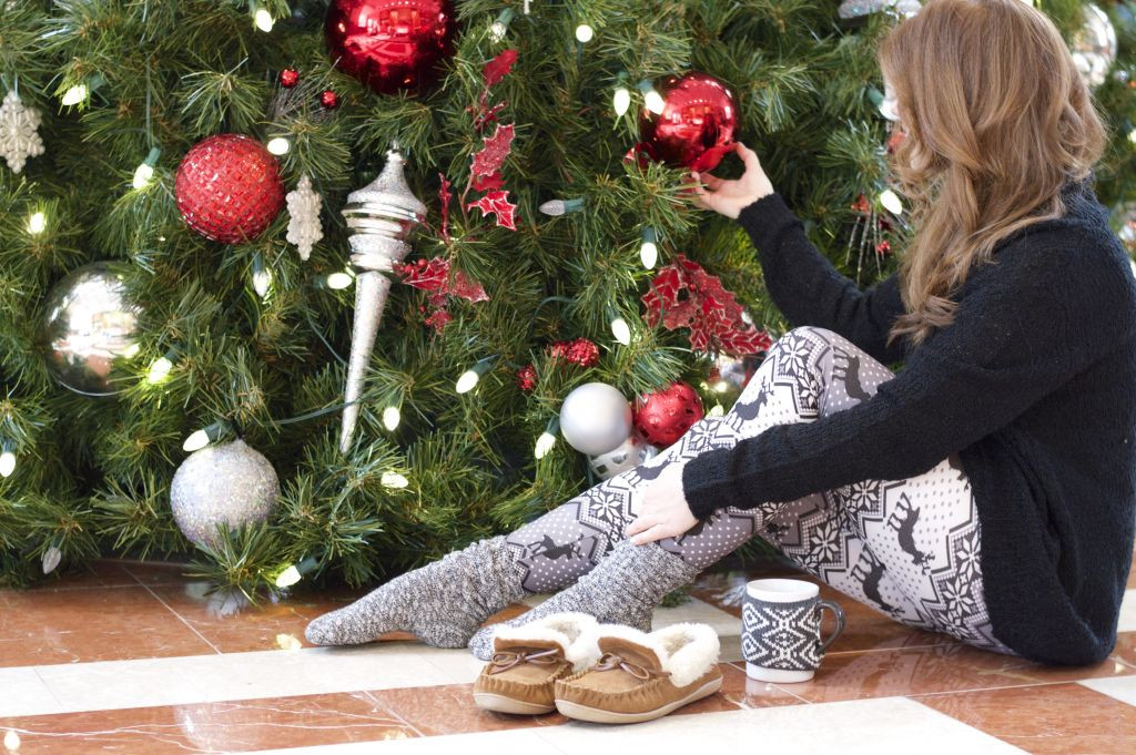 Holiday Happenings x Christmas Morning   Louella Reese