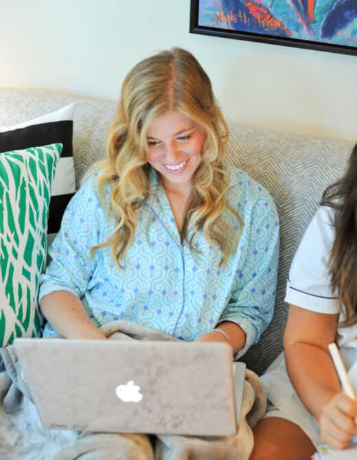 Blogger Biff Wkend, Blogger Biff Travels, Packed Party Disco Balls, IT Cosmetic Make Up, Anthropologie Bowls, Sleepover, Girls Night In, How to Host a Girls Night In, How to Host a Grown Up Girls Sleepover