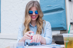 Millennial Bloggers Take on Cosmetic Surgery