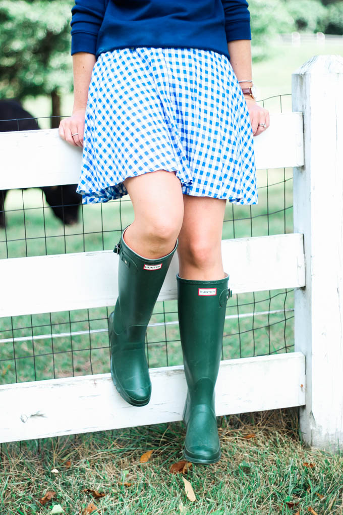 Draper James Be Kind Y'all Sweatshirt | How to Dress Up Hunter Boots | Louella Reese Life & Style Blog