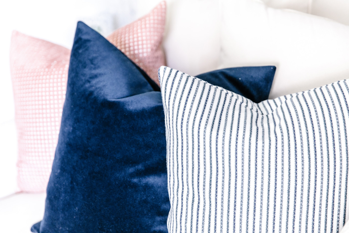 Family Room Decor | Blue and Pink Pillows | Louella Reese Life & Style Blog