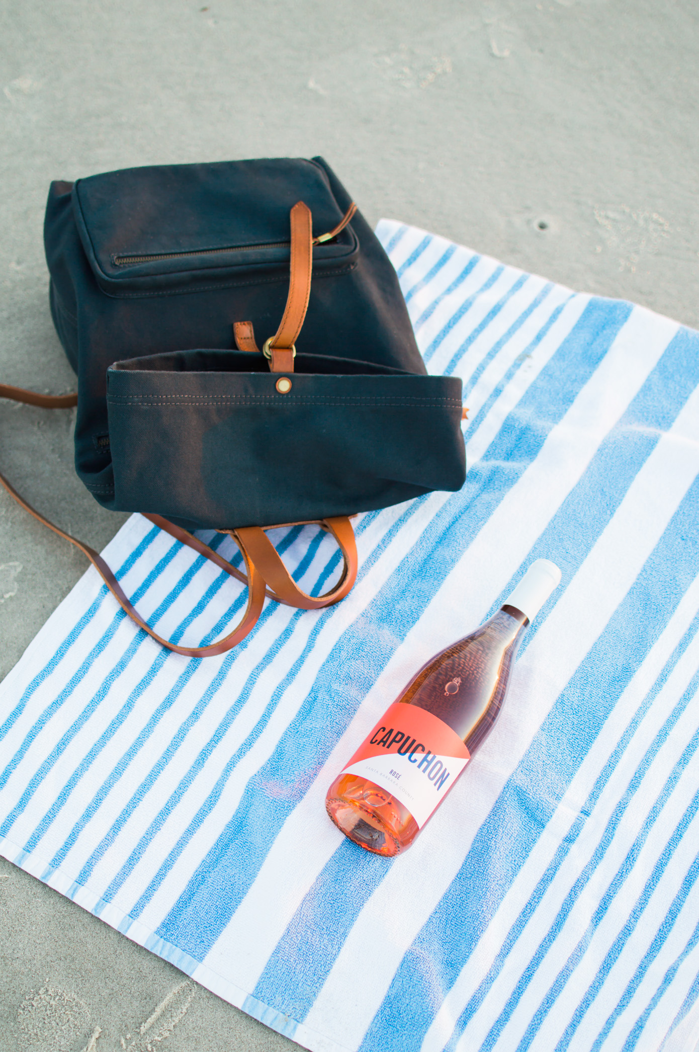 Fall Beach Style | Wine Picnic on the Beach | Louella Reese Life & Style Blog