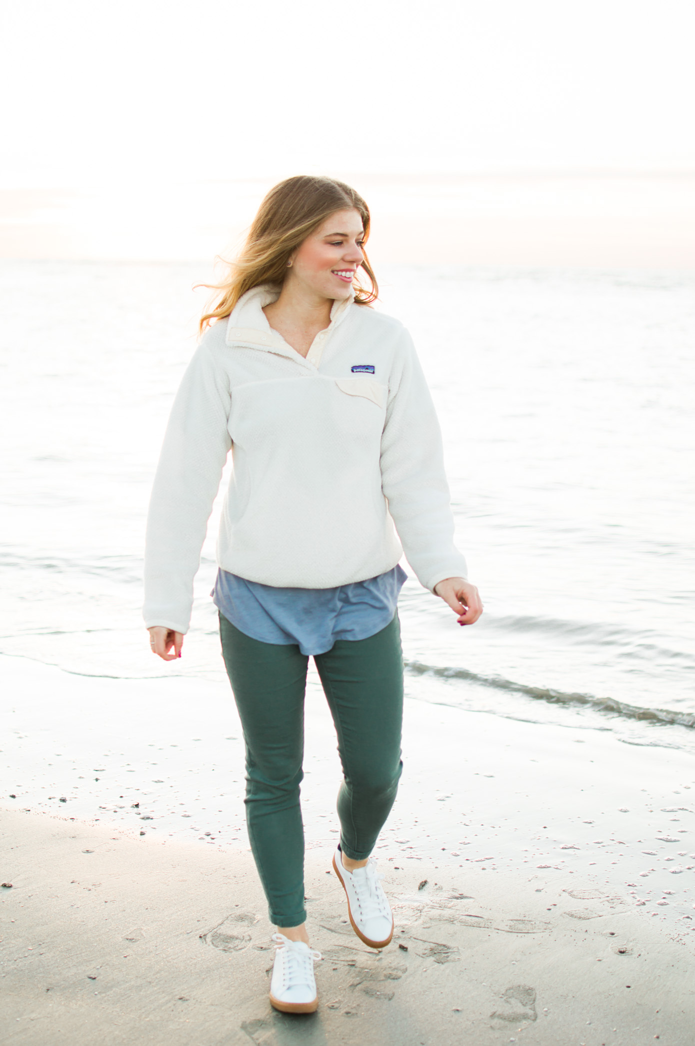 Fall Beach Style | Patagonia Pullover | Louella Reese Life & Style Blog