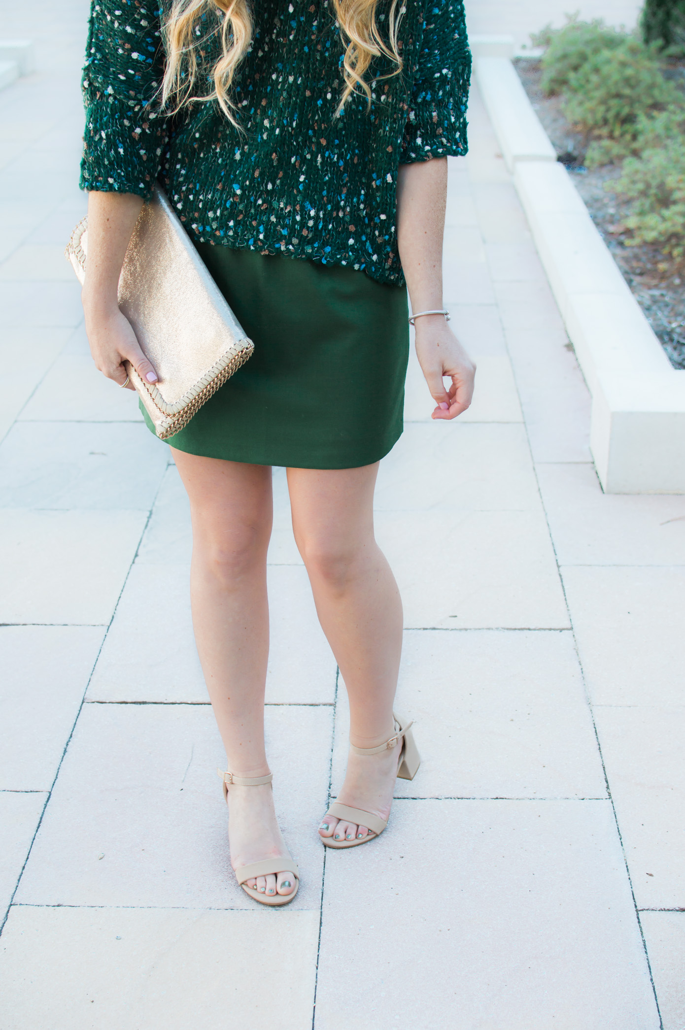 Versona Holiday | Green Monochromatic Holiday Look | Louella Reese Life & Style Blog