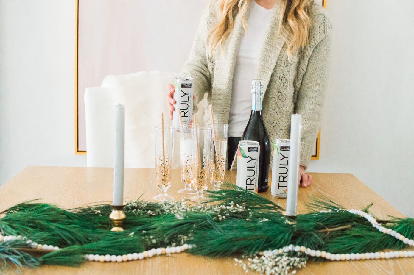 Louella Reese Truly Spiked & Sparkling Cocktail | Holiday Cocktail | Low-Calorie Cocktail | Louella Reese Life & Style Blog