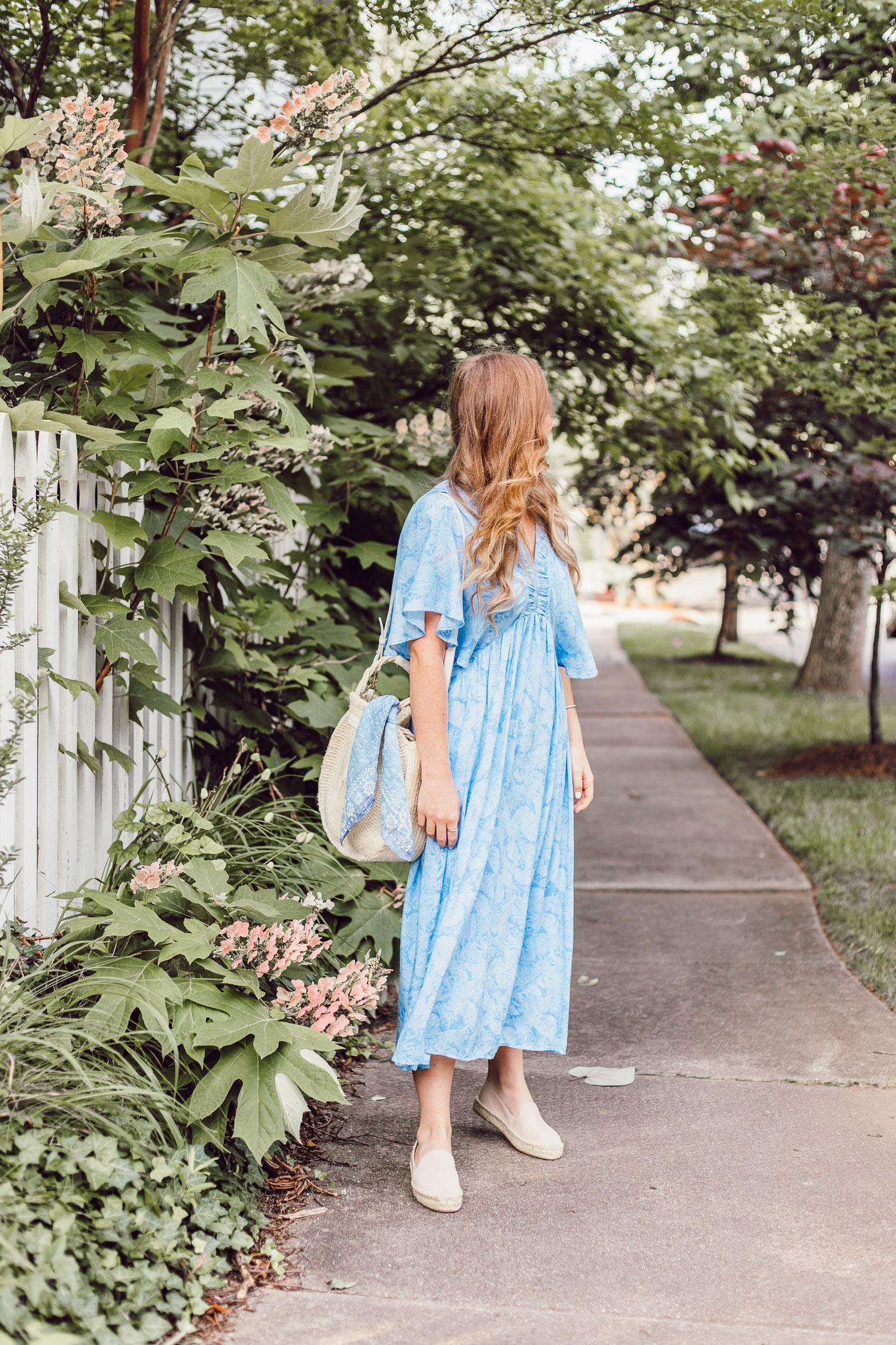 Easy Summer Dresses 2018 | Blue Kimono Dress for Summer styled on Louella Reese