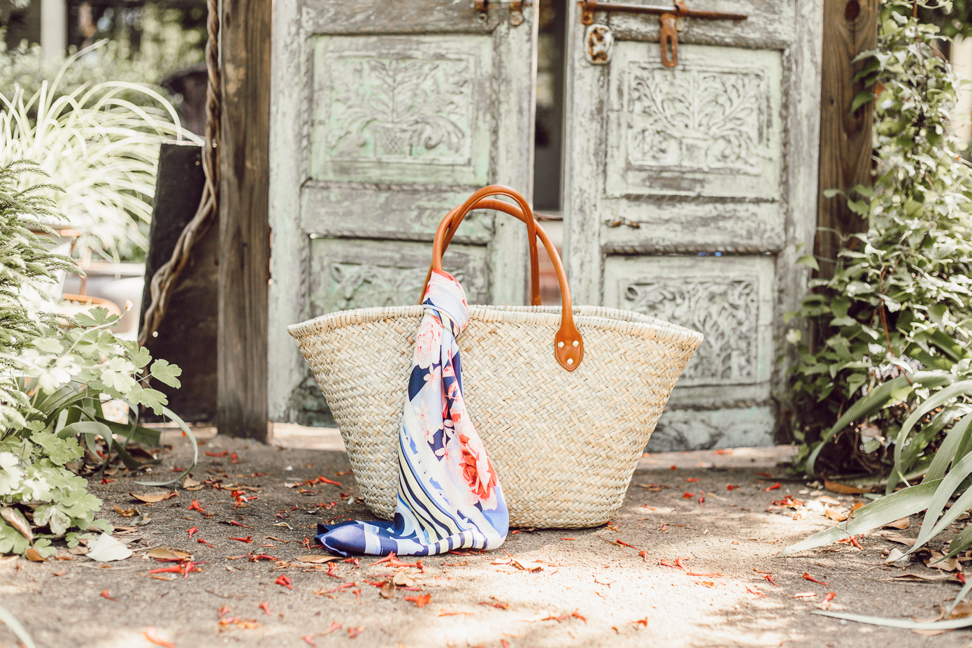 Southern Summer Style | The Perfect Straw Tote for Everyday Use | Louella Reese Life & Style Blog