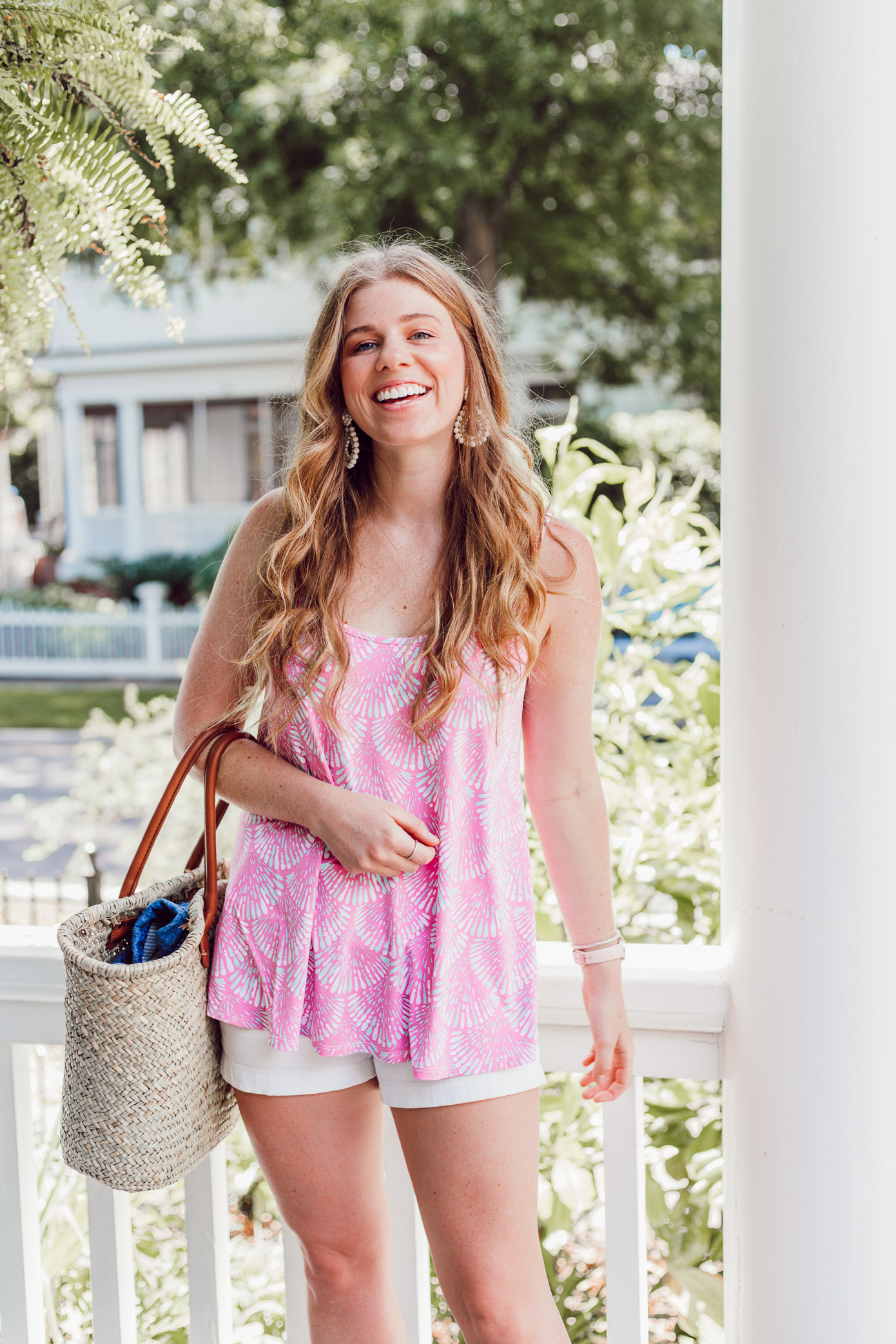 Summer 2018 Bucket List | Casual Summer Style, White Shorts for Summer | Louella Reese Life & Style Blog