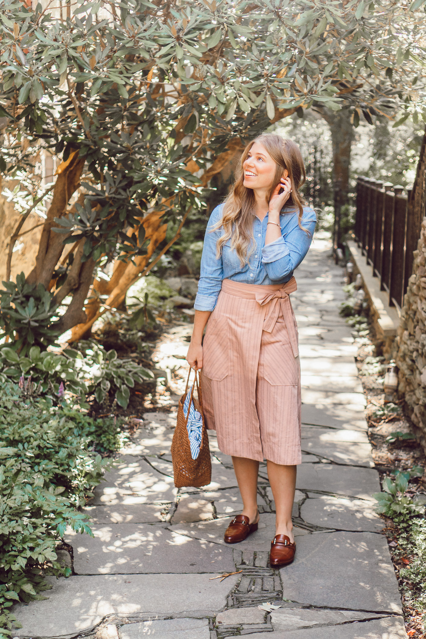 Fall Chambray Three Ways for Three Different Styles | How to Style a Chambray Shirt Three Ways for the Fall Season featured on Louella Reese
