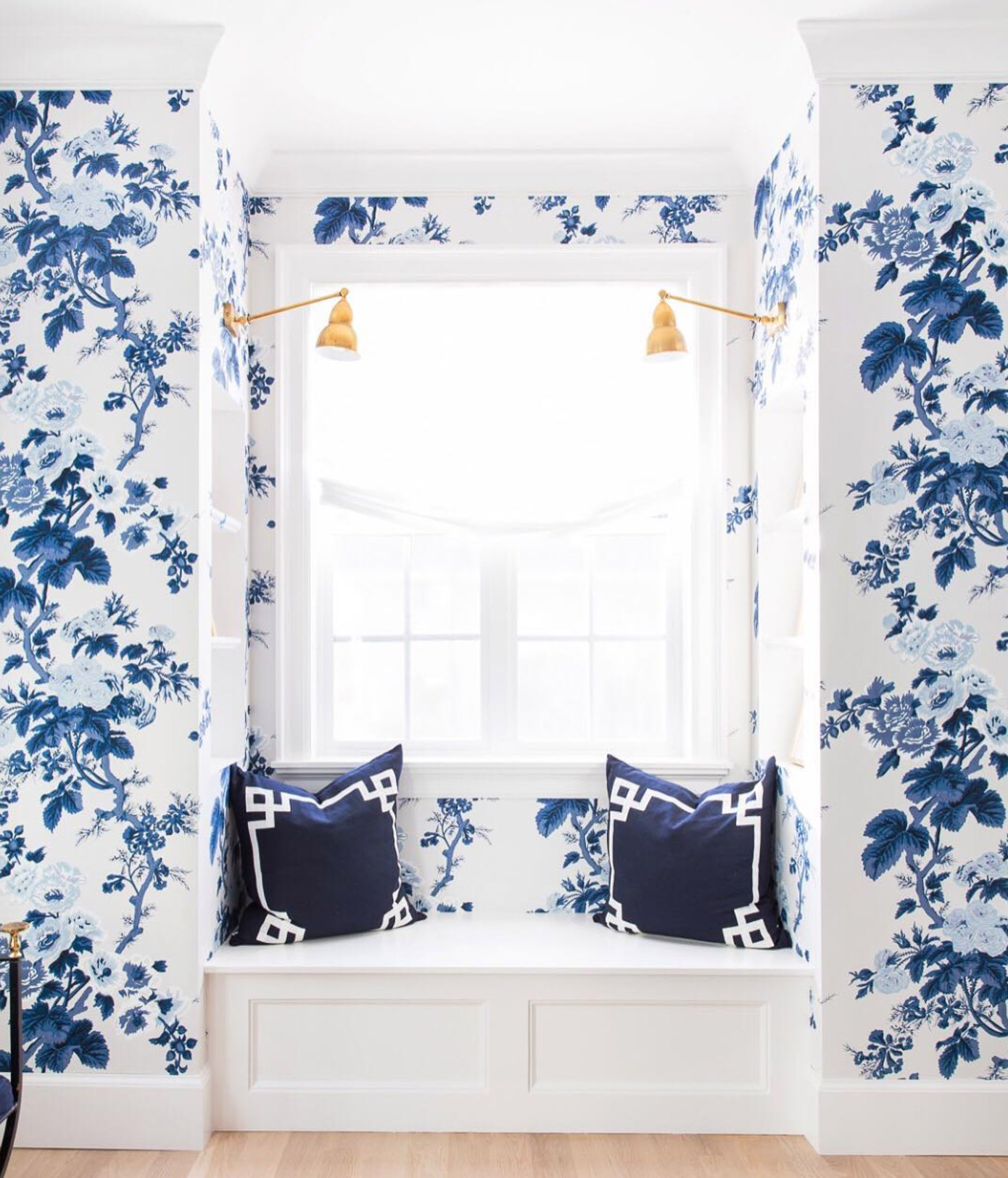 Beautiful Instagram Accounts to Follow featured on Louella Reese | Caitlin Wilson Designs