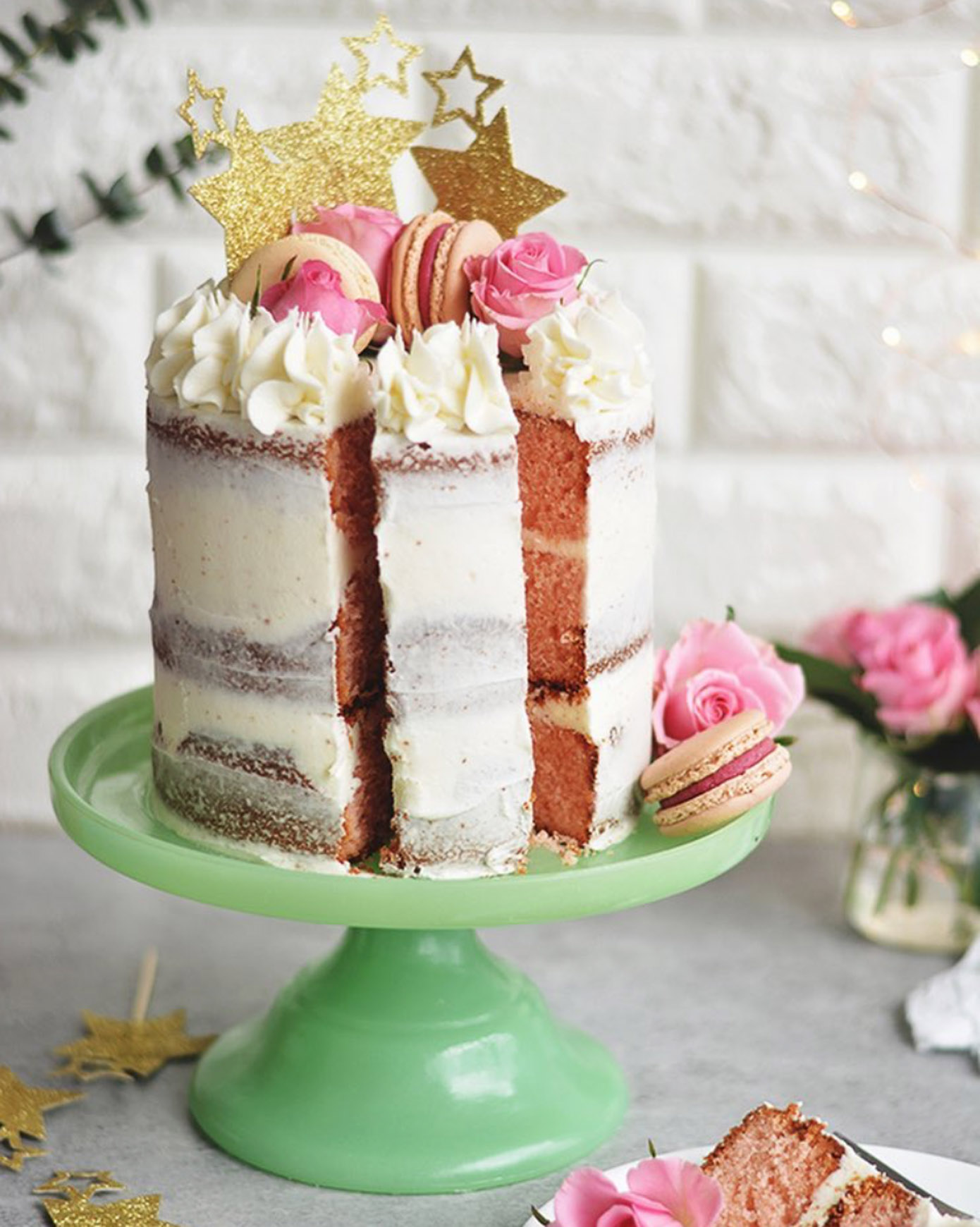 Beautiful Instagram Accounts to Follow featured on Louella Reese | Beth Bakes Blog