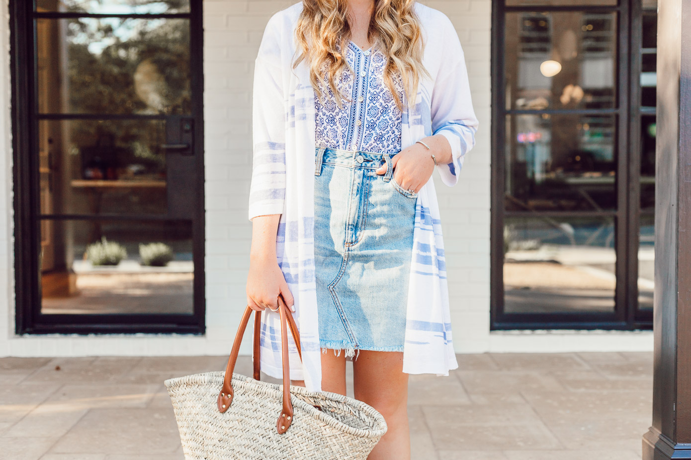 How to Style a Light Wash Denim Skirt for Summer styled on Louella Reese | Lightweight Sweater Kimono