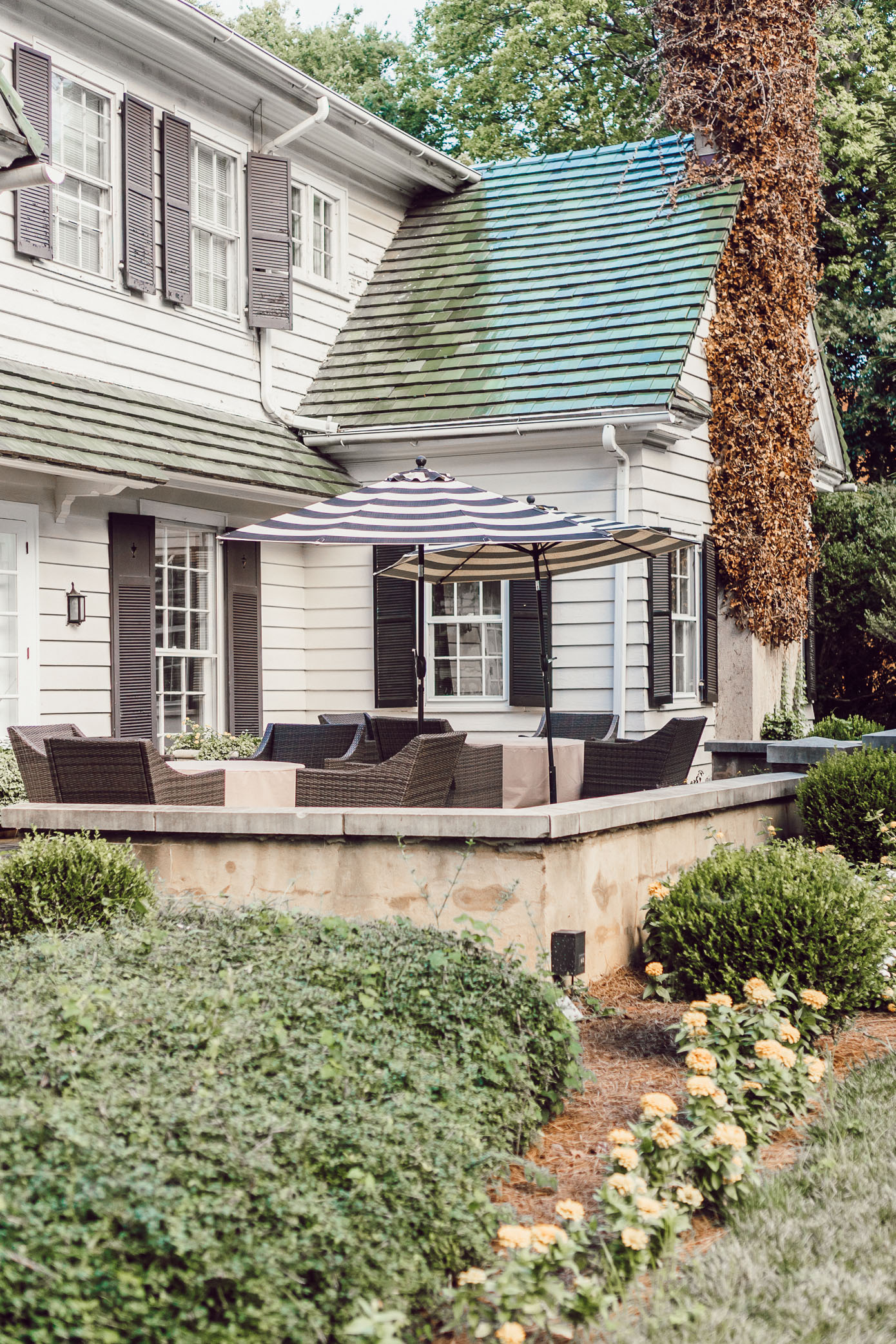 The Morehead Inn Charlotte NC | NC Bed & Breakfast featured on Louella Reese Life & Style Blog