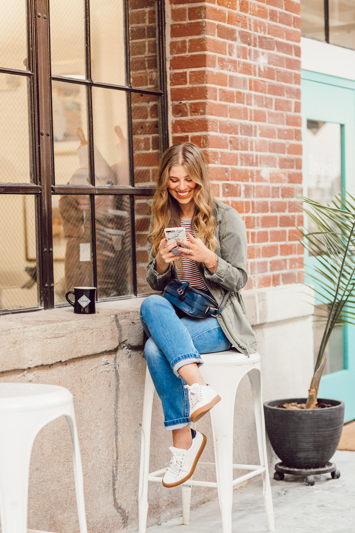 Most Instagrammable Charlotte Coffee Shops featured on Louella Reese | Casual Fall Outfit Idea
