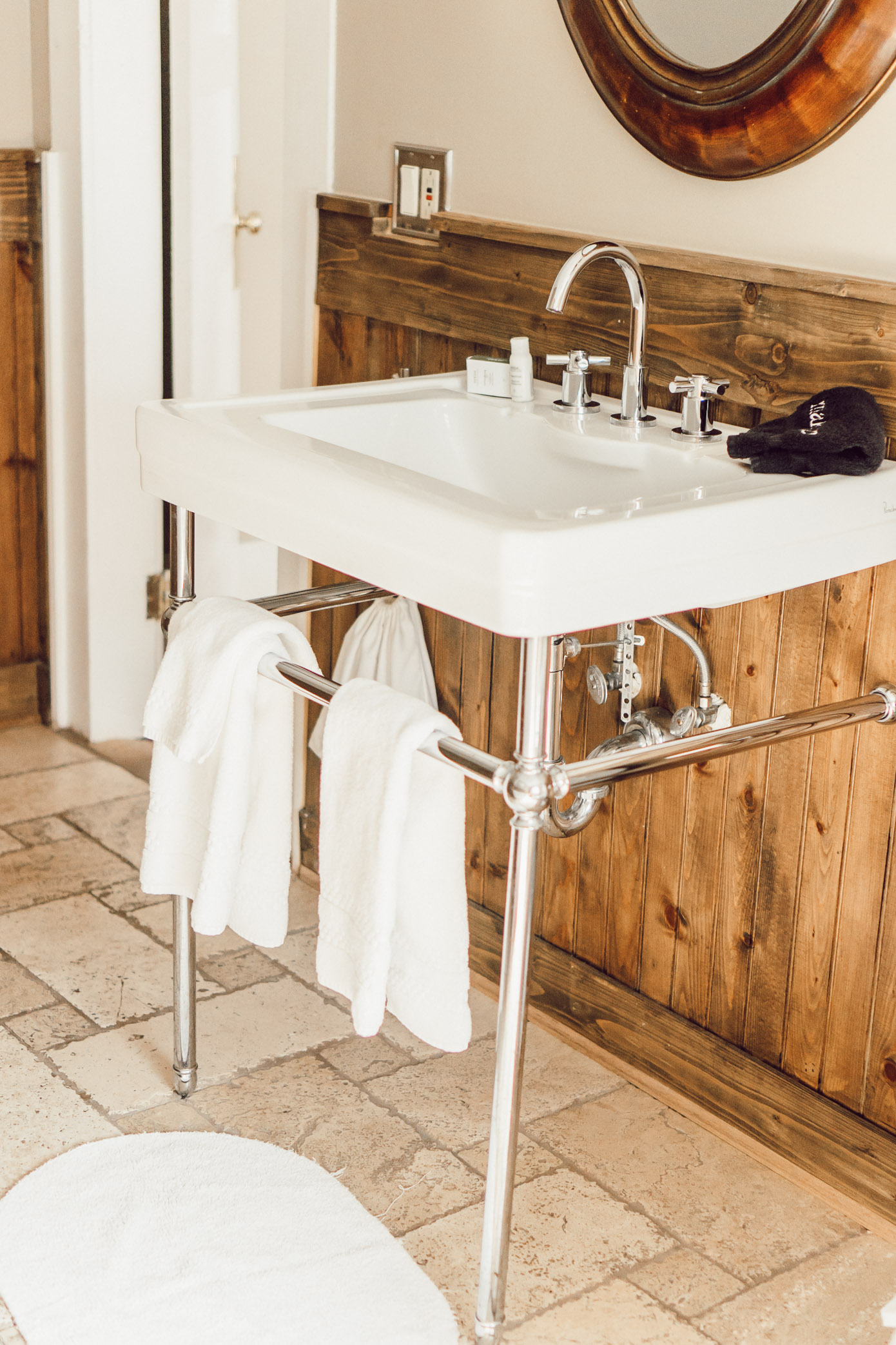 Vintage Inspired Sink | Blowing Rock Bed and Breakfast: The New Public House featured by popular North Carolina travel blogger Laura Leigh of Louella Reese