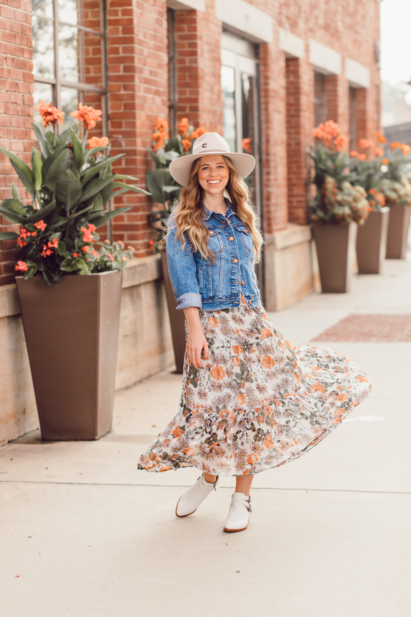 Felt Cowboy Hat, Fall Floral Midi Dress, Frye Ray Western Shootie Ankle Bootie | How to Style the Western Trend for Fall 2018 featured on Louella Reese Blog