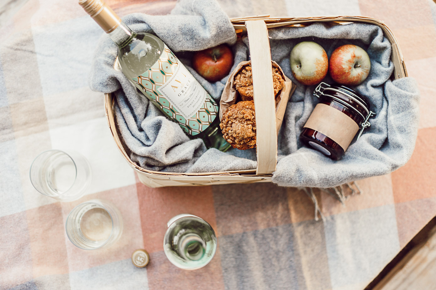 Perfect Fall Hostess Gift with AVA Grace Wines featured on Louella Reese Life & Style Blog