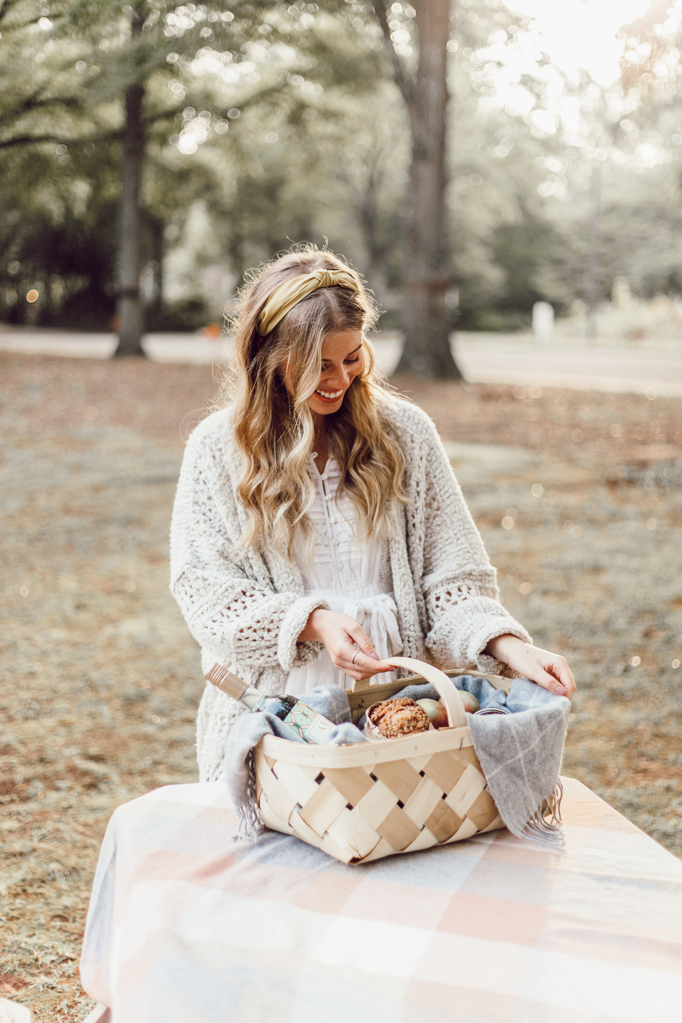 How to Put Together the Perfect Fall Hostess Gift with AVA Grace Wines featured on Louella Reese
