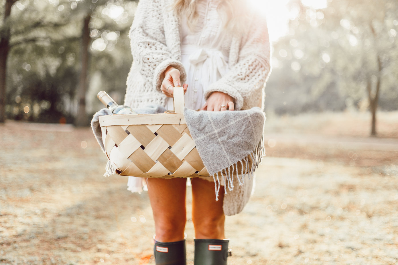 Fall Hostess Basket | What to Wear Apple Picking on Louella Reese