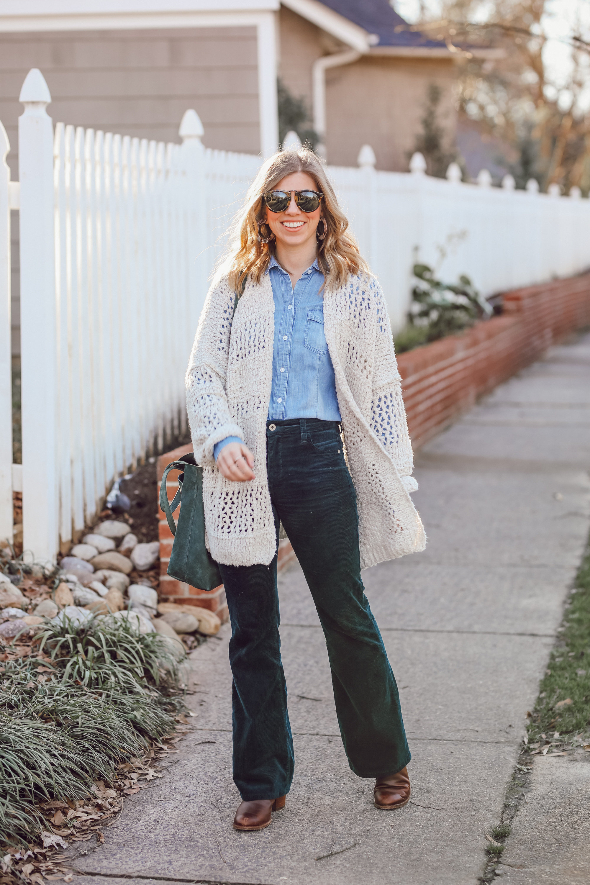 How to Pull off the 70s Trend in 2019 | Flared Corduroys | Louella Reese