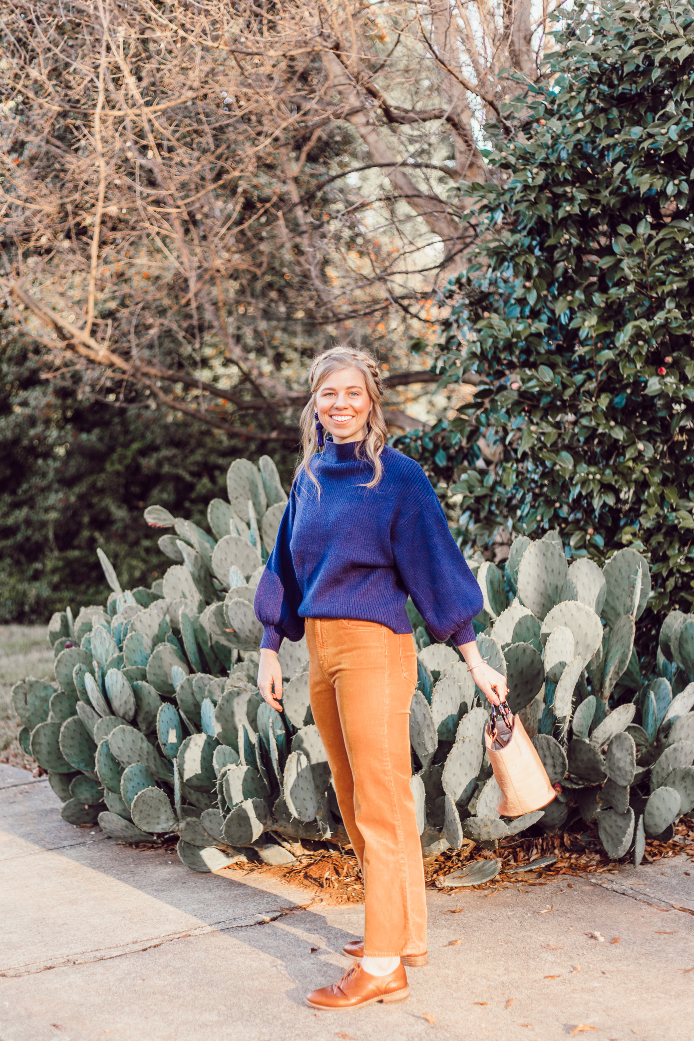 Wide-Leg Crop Corduroy, Burnt Orange Corduroys | How to Style Wide-Leg Crop Pants featured on Louella Reese