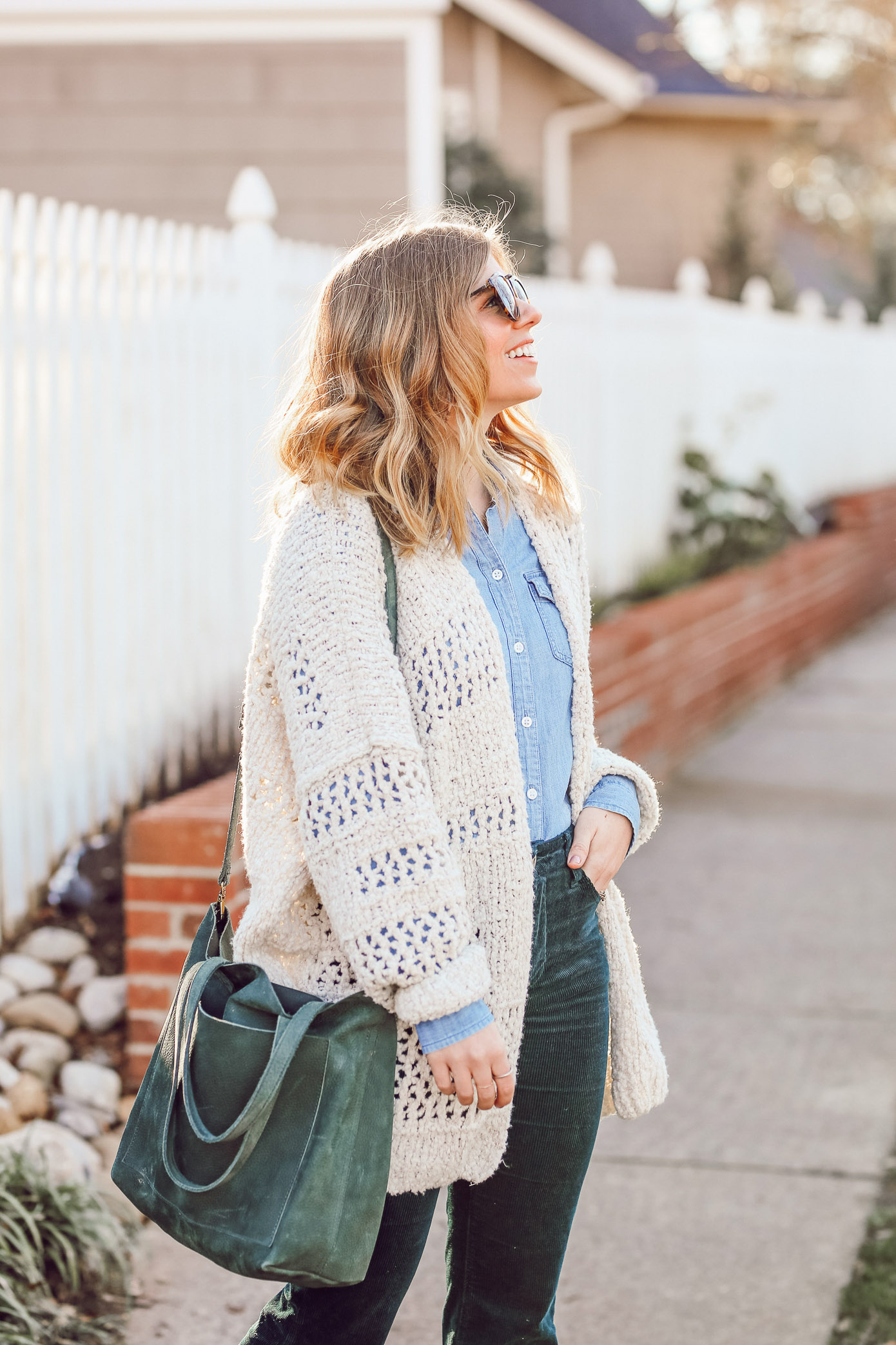 Laura Leigh of Louella Reese shares her favorite summer purchases of winter 2018 including the perfect olive tote
