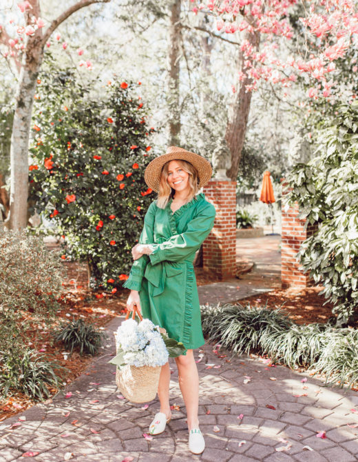 Stylish, versatile, and oh-so-comfortable, this preppy green dress is the definition of a warm-weather staple | Louella Reese