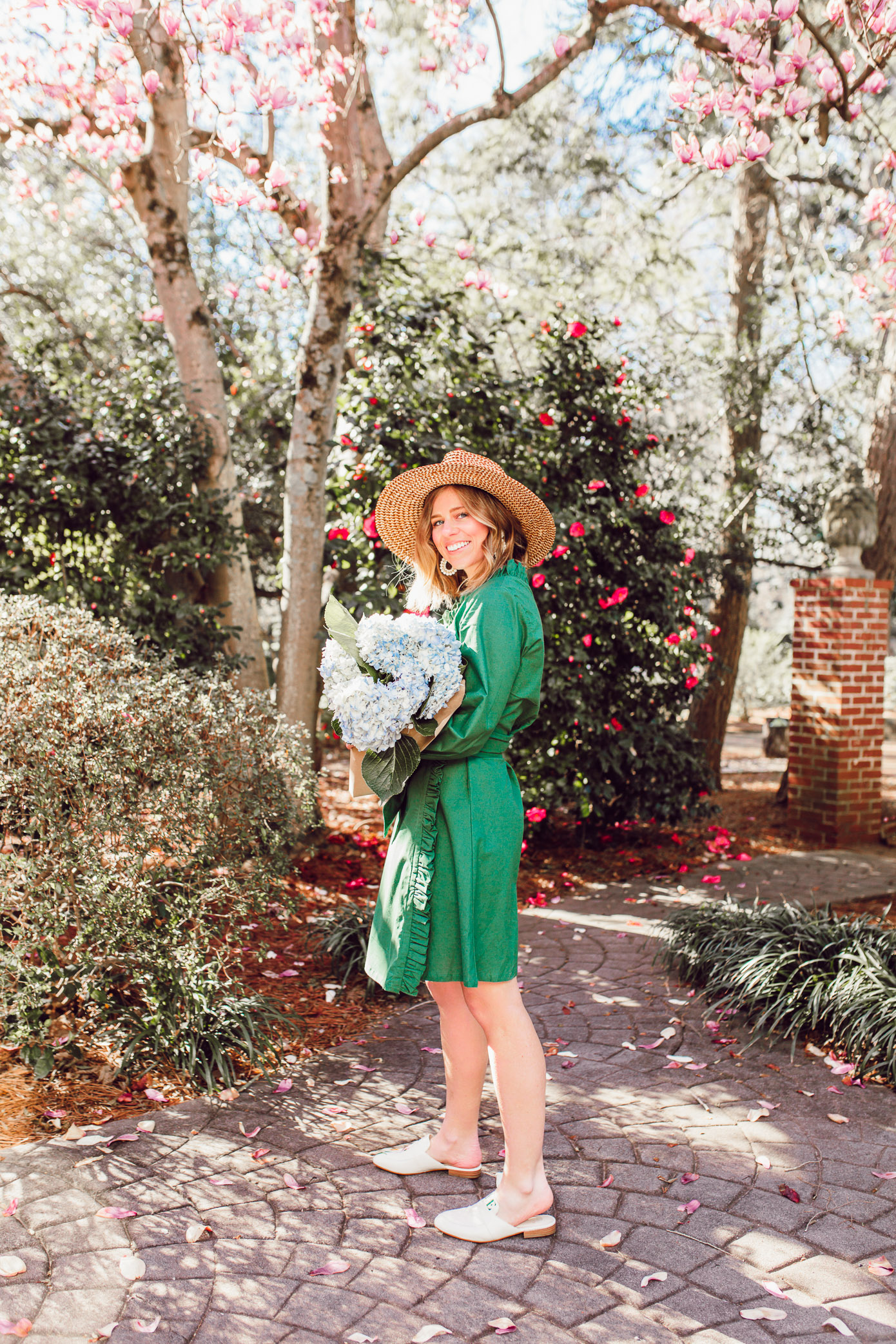 The cutest preppy green dress for spring and summer parties | Louella Reese