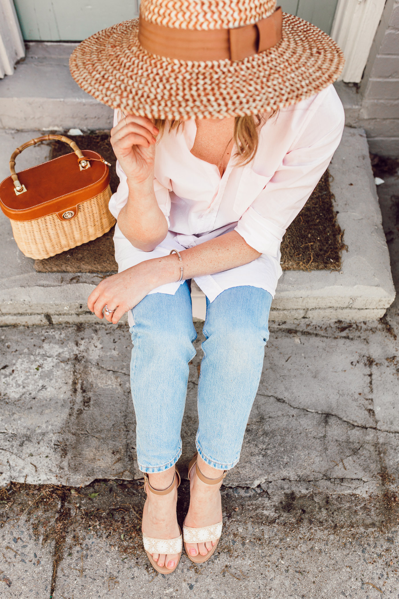 The best straw hat under $50 to shop right now | Casual Spring Outfit Idea | ft. Brixton, Frank & Eileen, Everlane, Jack Rogers, and J.McLaughlin | Louella Reese