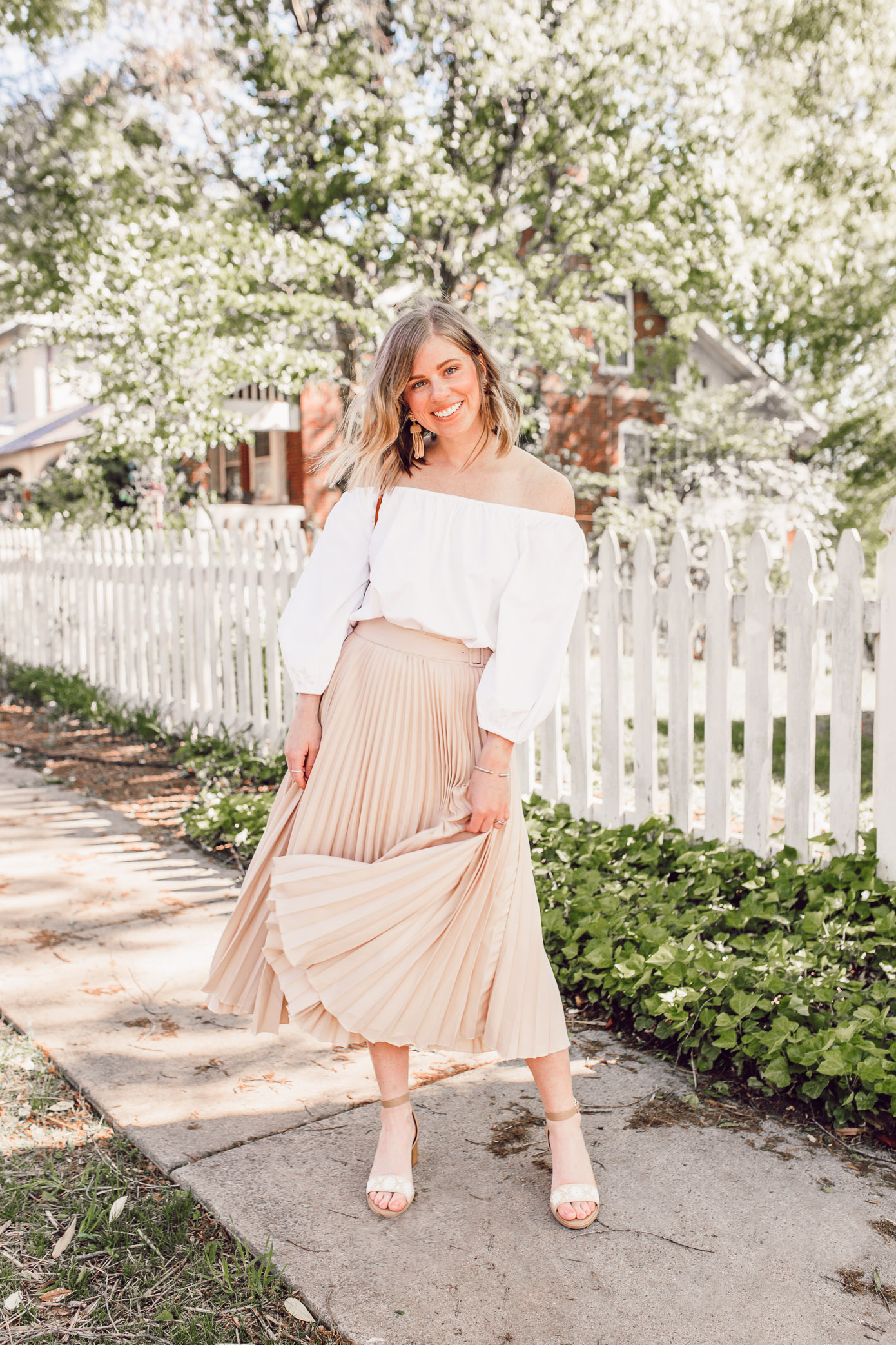 Fresh Outfit Ideas For How to Style Neutrals Together | Louella Reese
