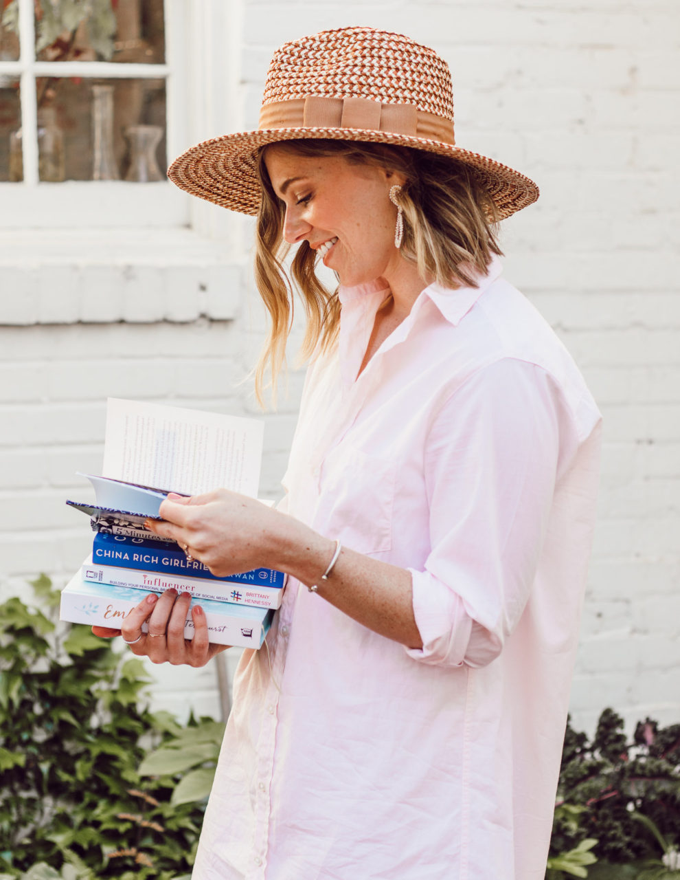 Spring Reading List | What to Read 2019 - Easy, Quick Reads + Devotionals | Louella Reese