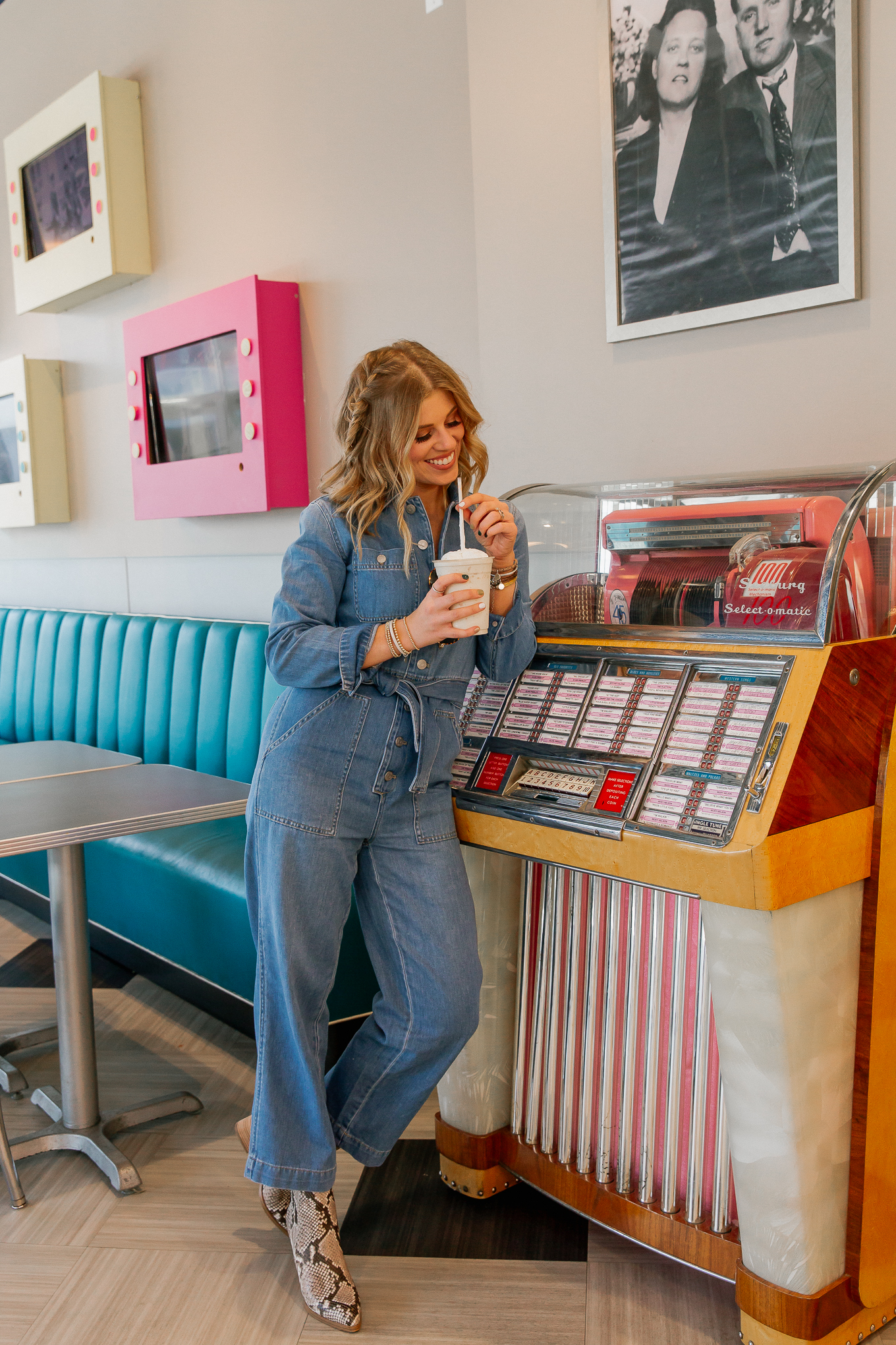 Where to Eat in Memphis Tennessee, Elvis Presley's Graceland | Louella Reese